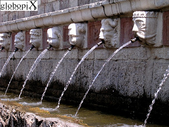 L'Aquila - Fountain of 99 spouts