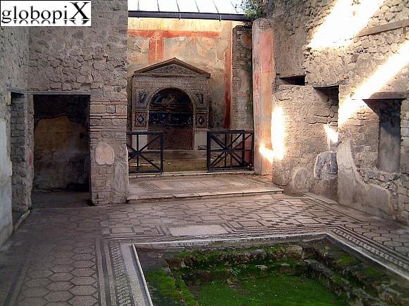 Foto pompei casa della fontana piccola globopix for Piccola doccia della casa