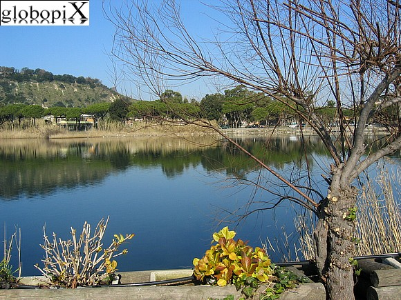 Foto campi flegrei lago lucrino globopix for Lago lucrino