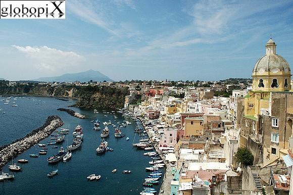 Marina della Corricella, Procida - clicca sulla foto per aprire la gallery
