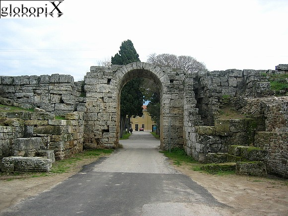 Foto paestum porta sirena globopix - Porta sirena capaccio ...