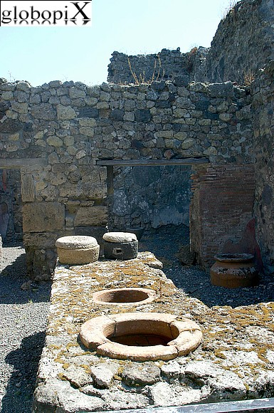 Pompei - Remains a public kitchen.