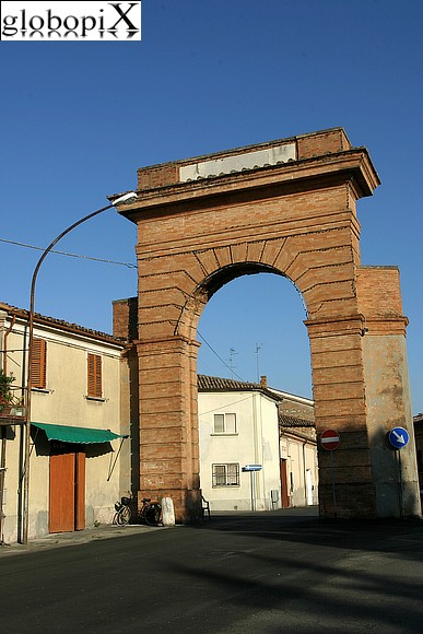 Bagnacavallo - The historical centre's access gates.