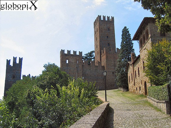 Castell'Arquato - The Rocca seen from Via Dante