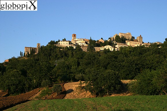 Verucchio - View of the borough from the plain