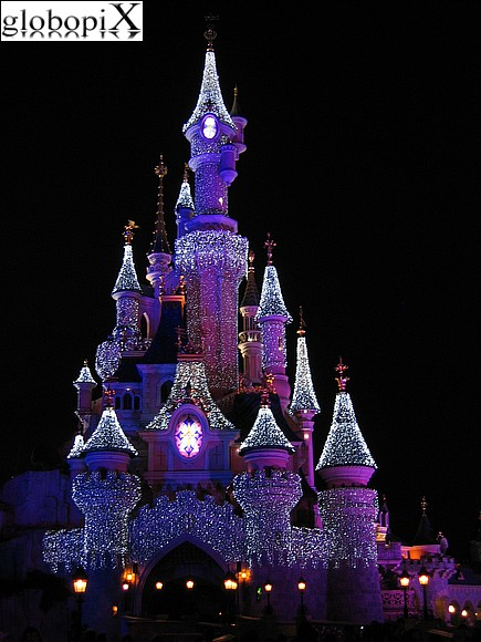 Disneyland Paris - Disney by Night