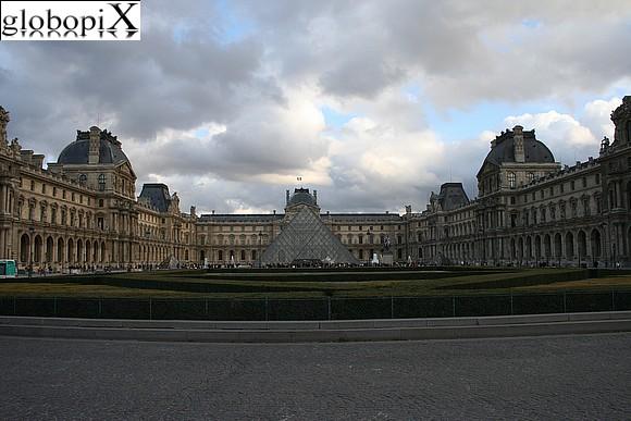 Parigi low cost louvre
