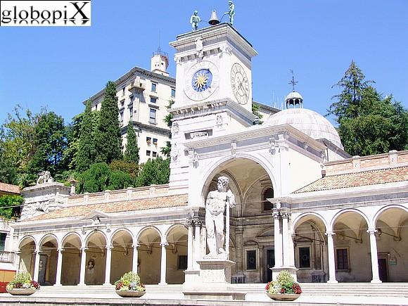 Foto udine piazza della libert globopix for Piazza del friuli