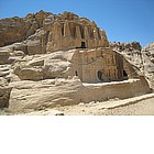 Photo: Nefesh Tomb a Petra