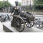 Photo: Statua di Molly Malone