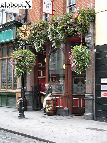 Dublin - Pub in Fleet Street