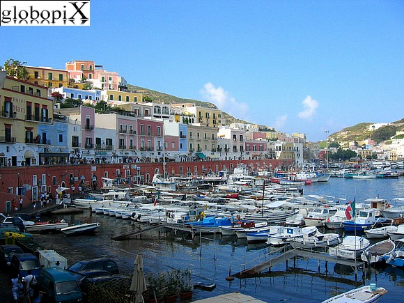 Ponza and Ventotene - Ponza's harbour