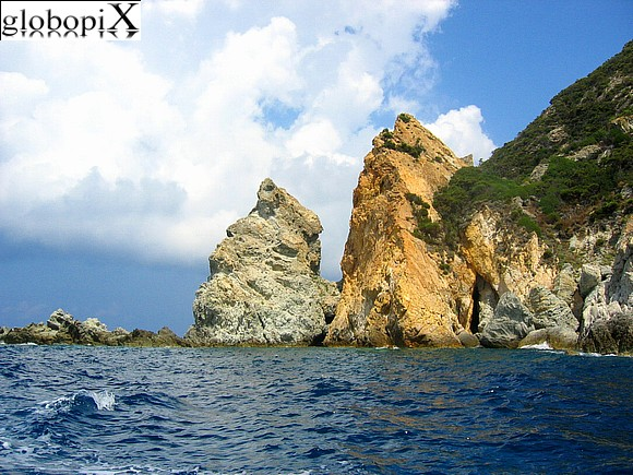 Ponza and Ventotene - Rocks of Capo Bosco