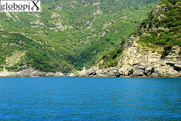 Portofino - Boat journey towards San Fruttuoso