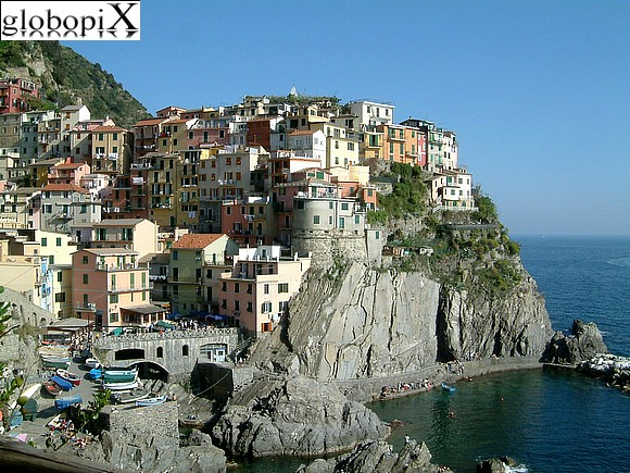 Cinqueterre - Manarola's port and beach