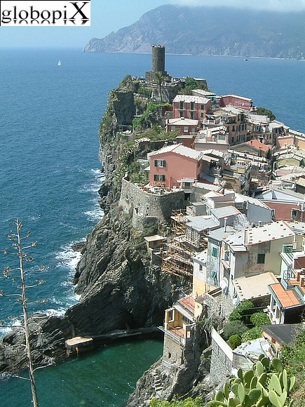 Cinqueterre - Panorama of Vernazza
