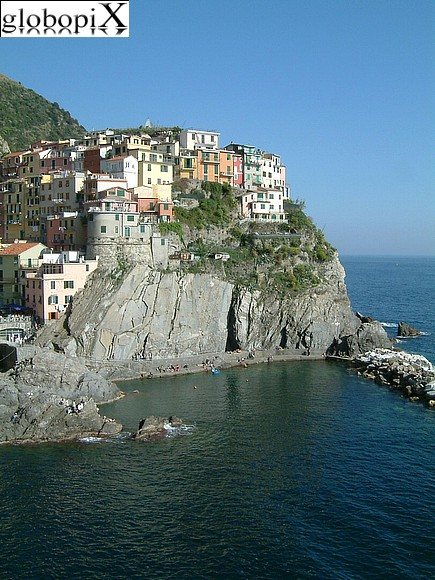 Cinqueterre - Panoramic view of Manarola