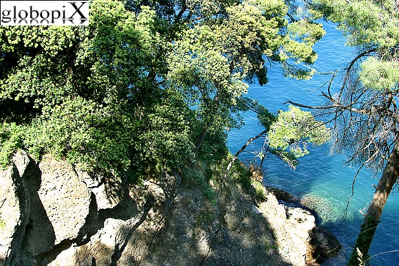 Portofino - The trail from the castle to the lighthouse