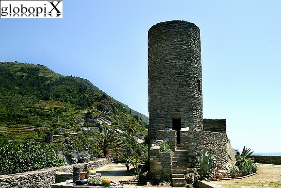 Cinqueterre - Towers of Saracen origin