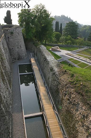 Foto bergamo castello di san vigilio giardini globopix - Giardini bergamo ...