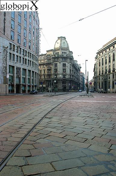 Foto milano corso italia globopix for Corso stilista milano