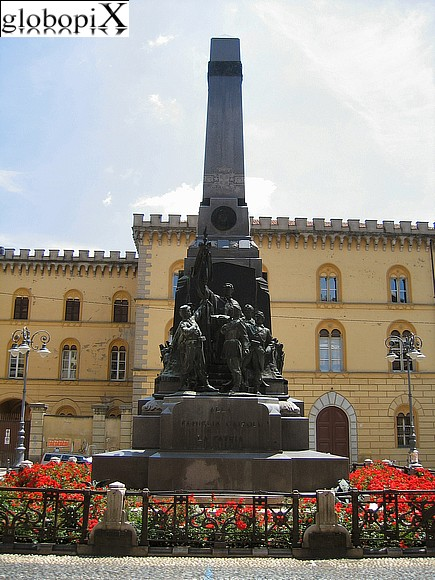 Pavia - Monument to the Cairoli family