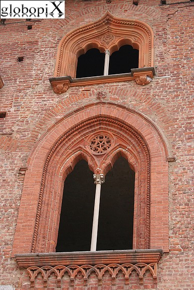 Vigevano - Mullioned windows