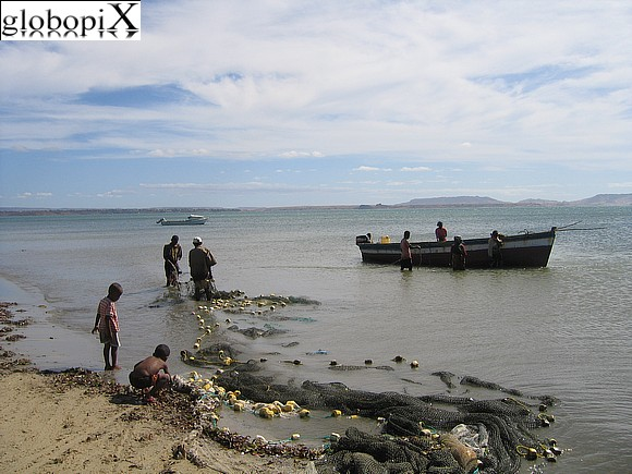 Nosy Be - Fishermen in Diego Suarez
