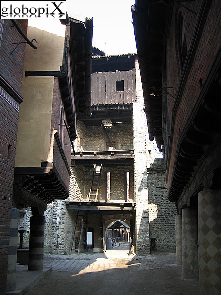 Turin - Medieval borough - Entrance Tower
