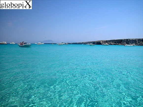 Foto isole egadi cala rossa 2 globopix for Calla rossa