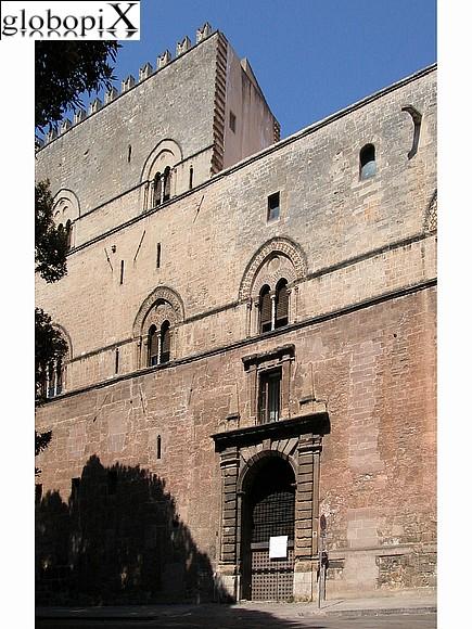 external image palazzo-chiaramonte-o-steri.jpg