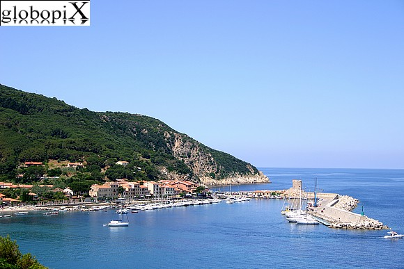 Isola d'Elba - Panorama of the beach and port
