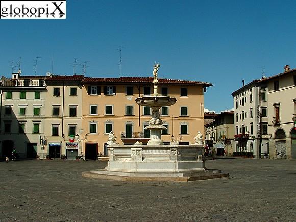 Foto prato piazza duomo globopix for Piazza duomo prato