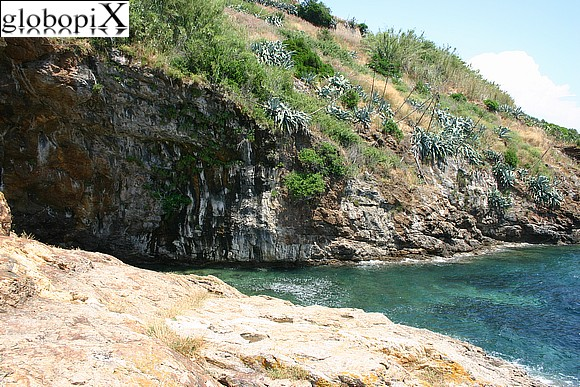 Isola d'Elba - The sea at Fortezza Stellare