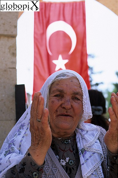 Istanbul - Anziana signora a Istanbul