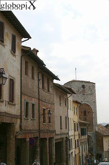 Foto gubbio porta romana globopix - Porta romana viaggi ...