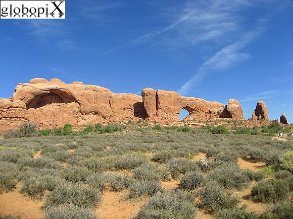 Canyonlands - Cove Arch