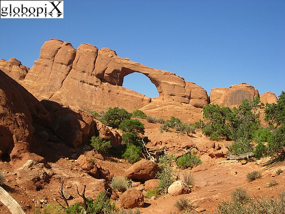 Canyonlands - Skyline arch