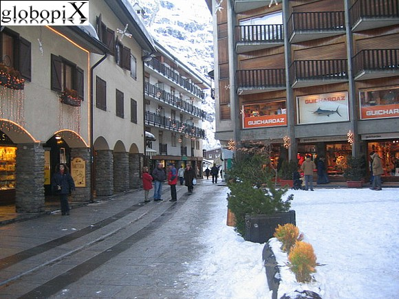 Valle daosta terme courmayeur italy webcam