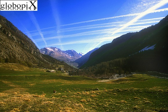 Gran Paradiso - Panorama of Valnontey in the direction of Cogne