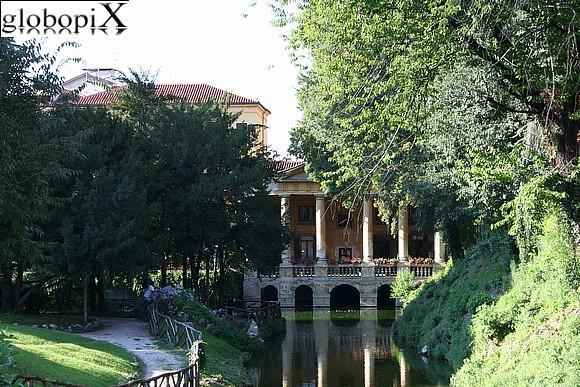 Foto Vicenza Giardini Salvi Globopix