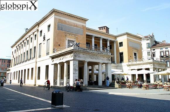 Cosa vedere a Padova caffè senza porte pedrocchi